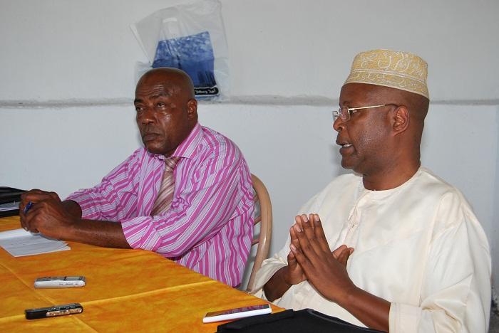 Houmedi Msaidié secrétaire national de la CRC devant la presse