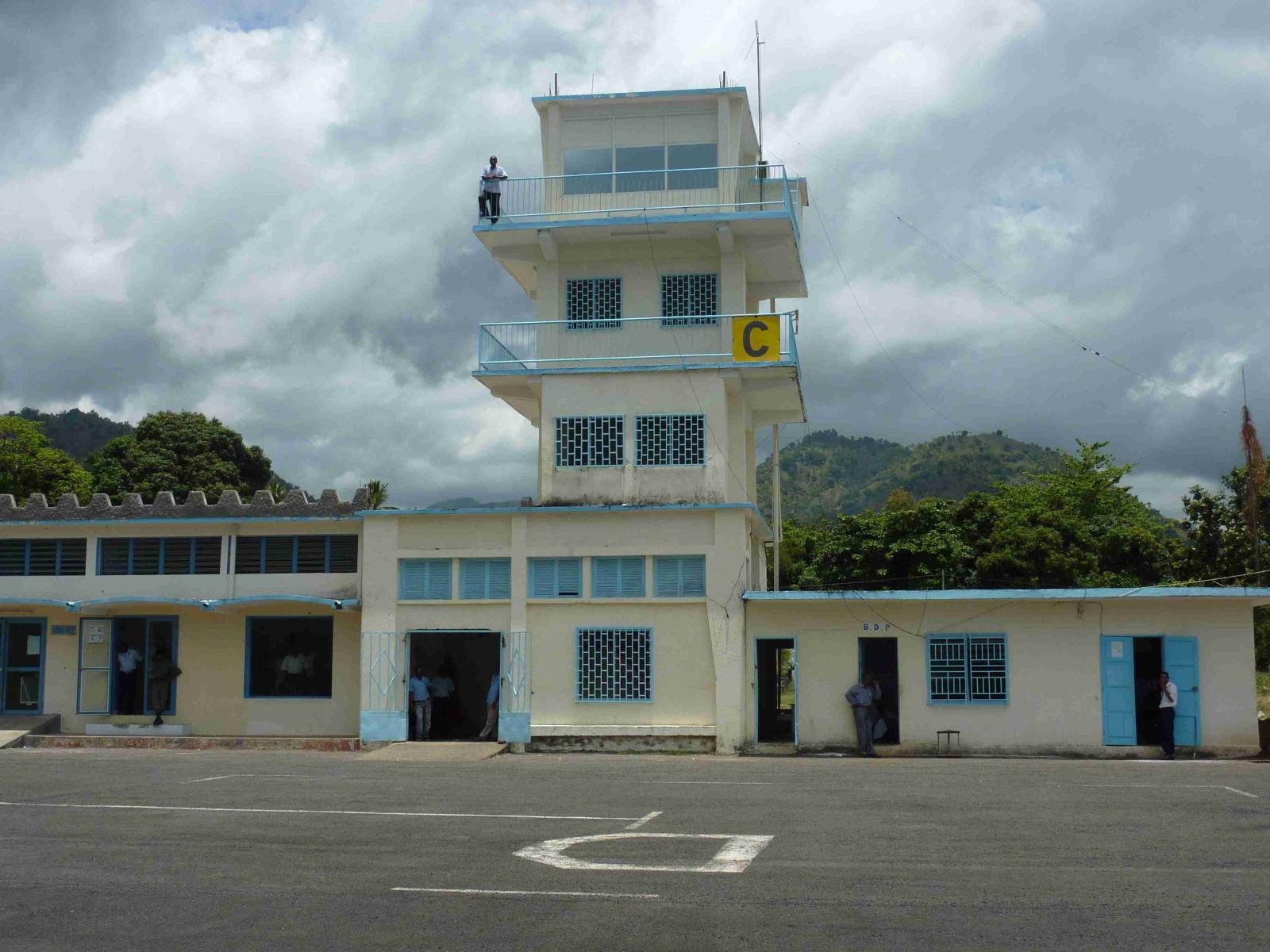 aeroport_Ouani