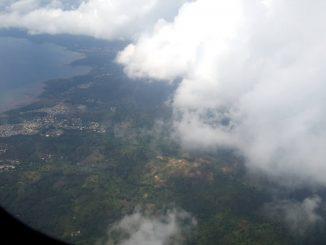 La haut dans les ères au dessus du lagon ce matin à bord d'Ewa Air