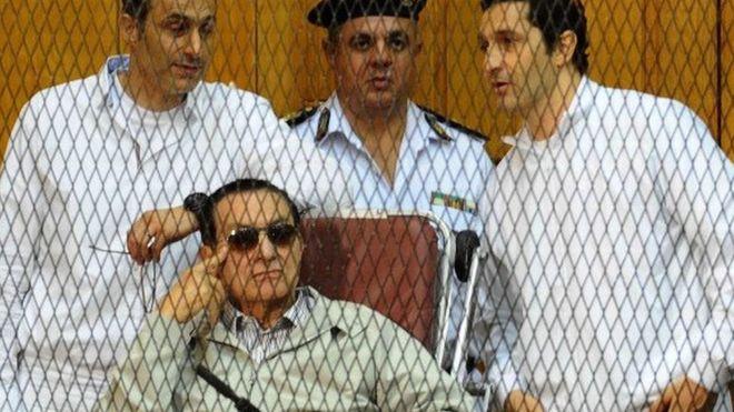 l'ancien président Hosni Moubarak libéré