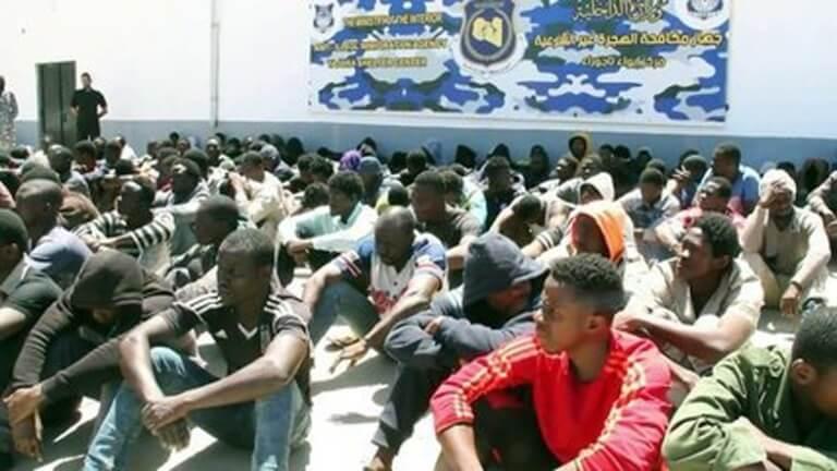 migrants-detenus-centres.jpg