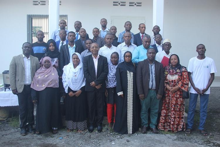 Jeunes-Comores.JPG