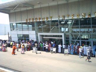 aeroport-de-Moroni-Hahaya.JPG
