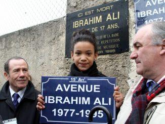 Chaque-21-fevrier-membres-famille-dIbrahim-retrouventcommemorer-drame_0_728_486.jpg