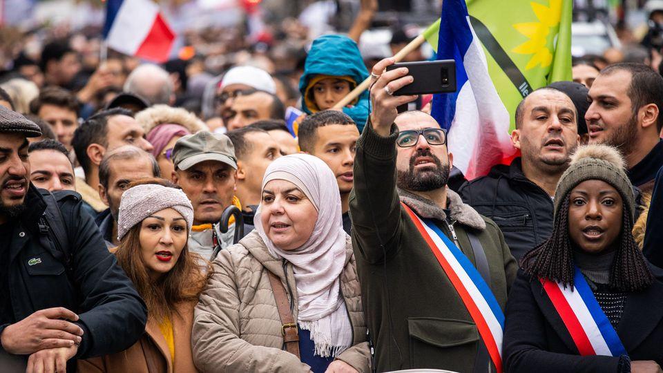 fra-social-march-against-islamophobia_6230424.jpg